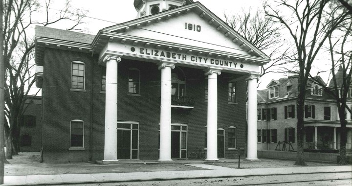 Elizabeth City County Courthouse, 1913. (Courtesy of the Hampton History Museum, Hampton, Va. Cheyne Collection 2009.15.1998)
