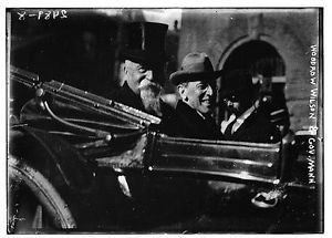 Governor William Hodges Mann with fellow Virginia Democrat Thomas Woodrow Wilson, who won the 1912 presidential election.  Despite the numerous appeals of many individuals, businesses, and newspapers, Gov. Mann refused to stay the execution of female juvenile Virginia Christian.